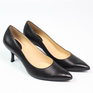 Cole Haan black leather classic pump pointed toe
